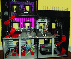Lola's Mini Homes: Monster High dollhouse finally finished