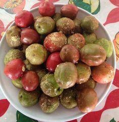 La ciruela de huesito, jocote o Cocota (Spondias purpurea) es un árbol frutal que crece en las zonas tropicales de América, desde México hasta Brasil. En Sonora y Sinaloa, México, el fruto de Spondias purpurea es amarillo, llamado yoyomo.