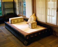 pyung-sang-bed-with-various-cushions-on My ideal bed
