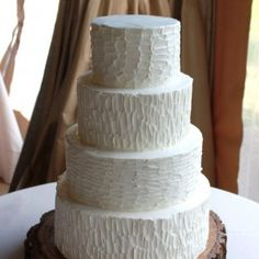 LOVE this idea, bark textured wedding cake. With couples intials carved in cake! Textured Wedding Cakes, Wedding Cake Rustic, Rustic Cake, Chic Wedding, Our Wedding, Wedding Ideas, Wedding Country, Wedding Album, Wedding Things