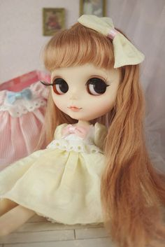 1 : 6 Scale Blythe Yellow Cotton Dress with Pink Bow on Front | Doll Apparel | Doll Fashion | Doll Dress Blythe cotton dress . Blue , Pink and yellow available. This is handmade product. The making pr