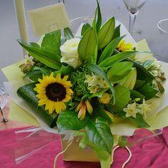 M9 Bouquets 263 © Zara Dalrymple by Zara Flora, via Flickr  http://www.zaraflora.com  #follow @zaraflora & @mothersflowers