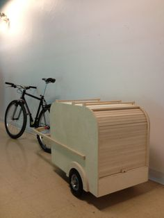 Holz Grocery Getter 1 Acne And The Changes In Girls During Puberty During puberty, girls go through Bike Cargo Trailer, Cargo Bike, Bike Trailers, Tricycle, Bike Cart, Bike Food, Camper, Bicycle Accessories, Bike Design