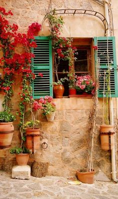 Colorful window on the Mallorcan Island of  Valdemossa, Spain • photo: Teresa Travassos on TrekEarth