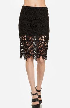 DailyLook: DAILYLOOK Venetian Lace Skirt in Black XS - L