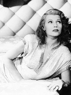 Rita Hayworth   #Glamour #Hollywood #Vintage