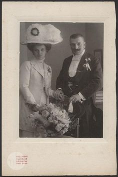 Wedding portrait of a couple, Poland, 1907/1912. Museum of History of Photography, Public Domain