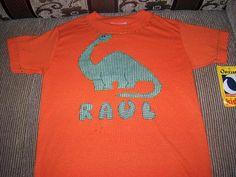 camiseta decorada con aplicaciones en tela aplique dinosaurio