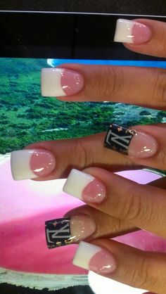 Permanent french & louis vuitton tips – louis vuitton nails acrylic Light Pink Acrylic Nails, Pink White Nails, Neon Green Nails, French Tip Acrylic Nails, French Nails, Duck Feet Nails, Flare Nails, Louis Vuitton Nails, Nail Manicure