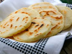 Arepas bajas en Carbohidratos Método Grez - Düşük karbonhidrat yemekleri - Las recetas más prácticas y fáciles Keto Recipes, Snack Recipes, Cooking Recipes, Healthy Recipes, Paleo Meals, Keto Foods, Keto Snacks, Drink Recipes, Healthy Eating Tips