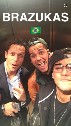 Yes I like football. Neymar Jr, Good Soccer Players, Football Players, Love You Babe, My Love, Fc Barcelona Neymar, Dani Alves, Best Player, Lionel Messi