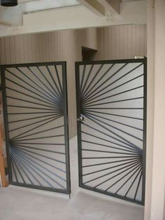 Steel Gate - See it here! Home Gate Design, Steel Gate Design, Iron Gate Design, Window Grill Design Modern, Grill Door Design, Metal Gates, Wrought Iron Gates, Grill Gate, Tor Design