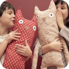 Sewing Toys, Sewing Crafts, Sewing Projects, Fabric Toys, Fabric Crafts, Fabric Animals, Cat Pillow, Cat Doll, Yarn Shop