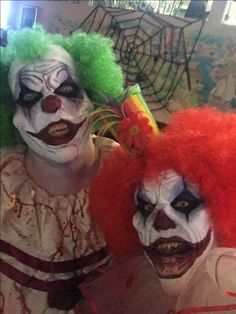 Discover recipes, home ideas, style inspiration and other ideas to try. Evil Clown Makeup, Halloween Makeup Sugar Skull, Creepy Halloween Makeup, Halloween Makeup Looks, Pretty Halloween, Creepy Makeup, Girl Halloween, Halloween Photos, Vintage Halloween
