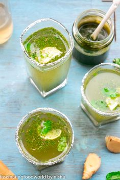 Refreshing lemonade made by mixing puréed mint and ginger syrup together- delicious and very easy! Recipe Ginger, Ginger Syrup, Roasted Potato Wedges, Roasted Potatoes, Fun Drinks, Yummy Drinks, New Recipes, Vegetarian Recipes, Mint Lemonade