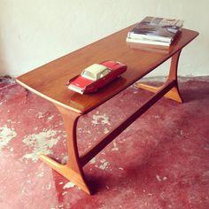 Sleek Mid Century Style Coffee table
