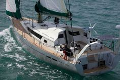 Garcia 45 Exploration. Aluminium hull & superstructure with swing keel draft of 1.14m to 2.9m.