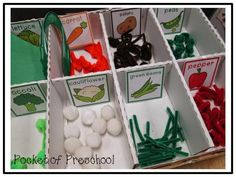 Pretend Grocery Store Produce Section: Here is a close up of the veggies students made for the store! They uses paper, pom poms, and pipe cleaners! LOVE IT Pocket of Preschool