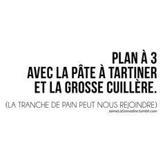 Plan à 3 Avec la pâte à tartiner et la grosse cuillère. (La tranche de pain peut nous rejoindre) - #JaimeLaGrenadine