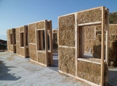 saman-ev-samanev- - saman-ev-samanev- Sie sind an der r. Earthship, Natural Building, Green Building, Building A House, Straw Bale Construction, Earth Bag Homes, Mud House, Eco Buildings, Home Insulation