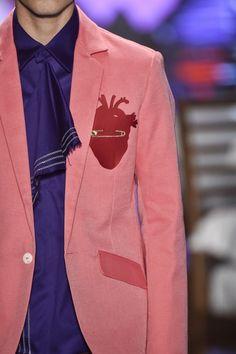 Detalhes // Ronaldo Fraga, SPFW, Inverno 2016 RTW // Foto 60 // Desfiles // FFW. Zippertravel.com High Fashion Men, Mens Fashion, Ronaldo Fraga, Toys For Boys, New Look, Instagram, My Style, Jackets, Matilda