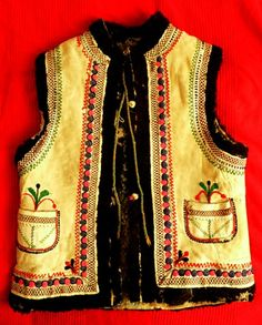 From Moldva/Moldvai csángó mellény Art Costume, Folk Costume, Costumes, Bohemian Costume, Hungarian Embroidery, Folk Music, Homeland, Art And Architecture, Folklore