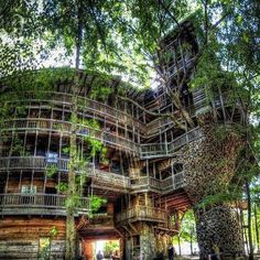 Tennessee - USA. Have went thru this treehouse in Crossville, TN! AWESOME!