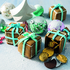 If you love gingerbread, you'll love our gingerbread gift boxes! They look great and taste even better!