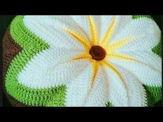 Декоративная подушка крючком. Часть 2 - YouTube Crochet Flower Patterns, Afghan Crochet Patterns, Baby Knitting Patterns, Crochet Doilies, Crochet Flowers, Camping Crafts For Kids, Yarn Flowers, Crochet Patron, Popular Crochet