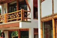 DETALLE BARABDA BAMBÚ Tropical House Design, Tropical Houses, Adobe House, Bamboo Crafts, Bamboo Fence, My House, Sweet Home, Stairs, Farmhouse