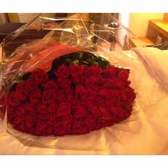 My bf gave 100 roses to me with proposing!