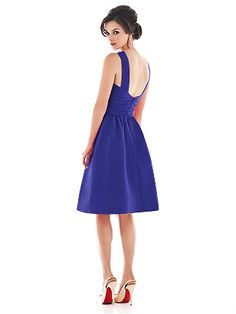 Alfred Sung Style D494 http://www.dessy.com/dresses/bridesmaid/d494/