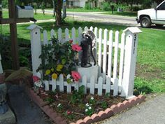 corner planter fence | Corner Fence, idea for corner of front yard