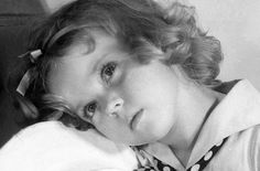 The Shirley Temple Archive: Photo Old Hollywood Movies, Old Hollywood Stars, Baby Doll Picture, Shirley Temple, Old Movie Stars, People Of Interest, Child Actresses, She Movie, Living Dolls