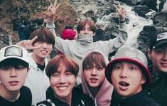 Okay here we have Taehyung the model, Yoongi wants to leave, Jungkook was forced by the person taking the picture. Obviously it must be Jimin taking the picture. And it seems poor Rapmon was cut out XD Jimin Jungkook, Vlive Bts, Bts Bangtan Boy, Jungkook 2016, Bts Taehyung, Foto Bts, Yoonmin, Wattpad, Bts Memes