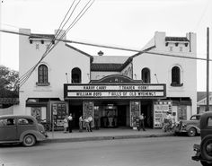 "San Antonio Movie Theatre - showing ""Trader Horn"" with Harry Carey + ""Hills of Old Wyoming"" with Hopalong Cassidy - Harry Carry, Best Sound System, Artist Film, Texas History, Local History, Movie Theater, Theatre, Wyoming, San Antonio"