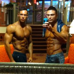 Throwback to #pittsburghpro with my bro @maiseu good luck on the big boy stage tomorrow bro I wish you the best of luck! One of the most genuinely good hearted and NON SUPERFICIAL BIG NAMES running around this industry. #LVAC #olympiaweekend #olympia #mealprep #mealprepsunday #aesthetics #shredz #shredzarmy #slslasvegas #starfitness #shredded_academy #dolcegabbana #fitfam #retrofitness #europagames #workoutworld #quest #trainharderthanme #ironaddict #PhysiqueFreak #powerhousegym…