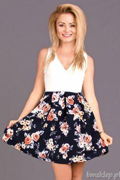 Sukienka z dołem z kwiatów... #Sukienki - http://bmsklep.pl/emamoda-sukienka-roz-6703-2
