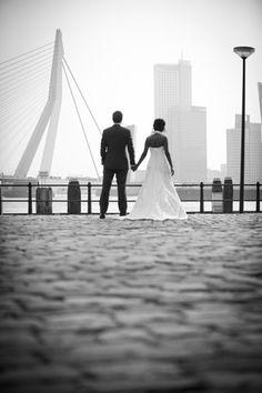 Bij een brug Smoke Eye Makeup, Turkish Wedding, Smoked Eyes, Social Platform, Rotterdam, Wedding Pictures, Maine, Wedding Photography, City