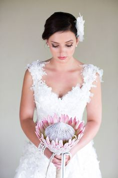 Protea is one of the latest trends in so have a look at the ideas to make your wedding super trendy! Protea bouquets are awesome and very original – just take one or several flowers. Small Wedding Bouquets, Bride Bouquets, Bridal Flowers, Glamorous Wedding, Chic Wedding, July Wedding, Wedding Ceremony, Wedding Rings, Steam Punk