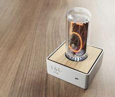 使いやすさなんて度外視。大きなニキシー管時計で温かみのある光を : ギズモード・ジャパン http://www.gizmodo.jp/2015/02/post_16067.html