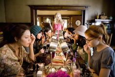 The House Bunny makeover Anna Faris, Bunny Movie, The House Bunny, Stage Beauty, Prom Make Up, Awkward Girl, Rumer Willis, Sorority Recruitment, Sorority Girls