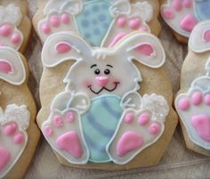 Knock the socks off your guests this next Easter, these bunny cookies are sure to impress everyone! Large, soft and intricately decorated