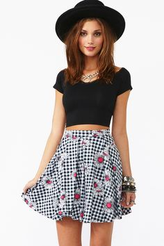 No need to skirt around it! You'll love love Nasty Gal's new mini, midi & maxi skirts. Skirt Fashion, Teen Fashion, Fashion Outfits, Pretty Outfits, Cute Outfits, Look Cool, Skirt Outfits, Dress To Impress, Style Inspiration
