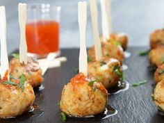 40 quick and easy footy finger food recipes Asian Chicken Meatballs Chicken Meatball Recipes, Chicken Meatballs, Mince Recipes, Cooking Recipes, Savoury Recipes, Cake Recipes, Cena Formal, Savoury Finger Food, Sauces