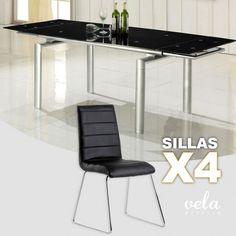 Conjunto de comedor de mesa de comedor extensible en cristal transparente y sillas en polipiel con costuras decorativas.