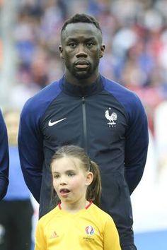 Bacary Sagna France - Zdjęcia   obrazy imago France, Athletic, Jackets, Fashion, Pictures, Bacary Sagna, Down Jackets, Moda, Athlete