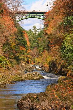 Quechee Gorge Vermont  - near Woodstock www.discoververmontvacations.com
