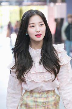 Korean Girls Names, Oh My Girl Jiho, Arin Oh My Girl, Ballet Girls, Kpop Outfits, Beautiful Asian Girls, Pretty Girls, Kpop Fashion, Ulzzang Girl
