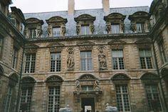 Paris Architecture- Hôtel de Sully